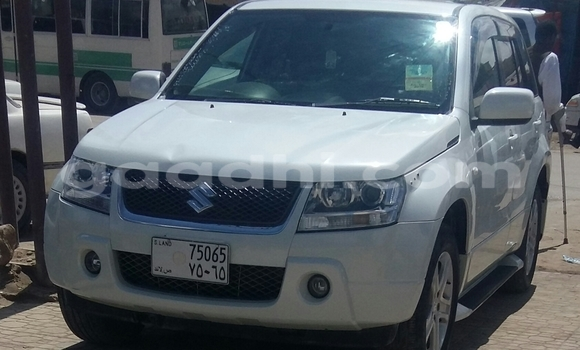 Buy Suzuki Vitara White Car in Hargeysa in Somaliland