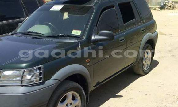 Buy Land Rover Range Rover Green Car in Hargeysa in Somaliland