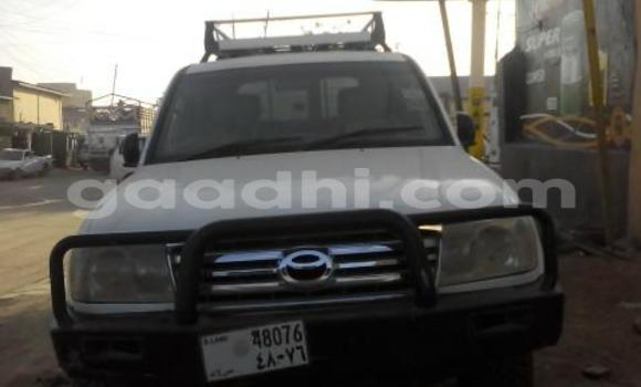 Buy Toyota 4Runner White Car in Hargeysa in Somaliland