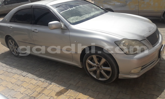 Buy Toyota Crown Silver Car in Hargeysa in Somaliland