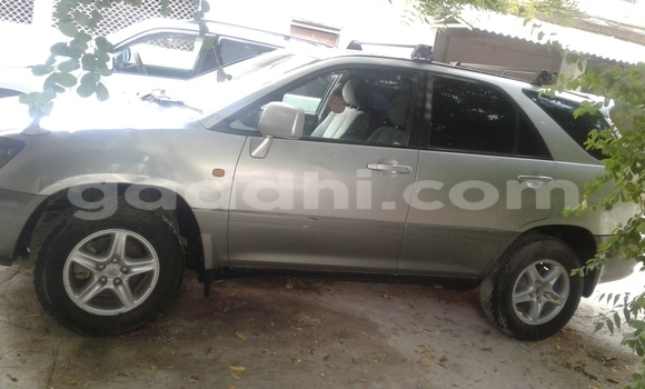 Buy new and used Toyota Harrier Silver Car in Mogadishu in Somalia
