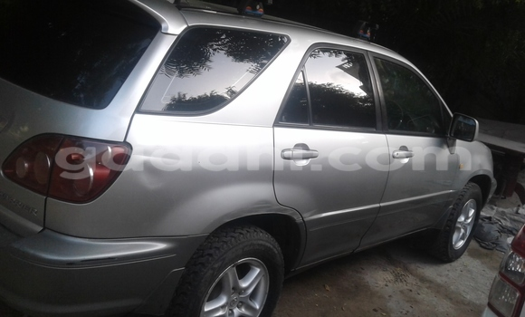 Buy new and used Toyota 4Runner Silver Car in Mogadishu in Somalia