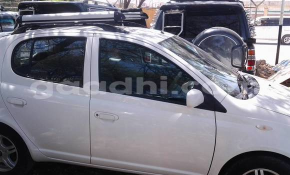 Buy new and used Toyota Vitz White Car in Hargeysa in Somaliland