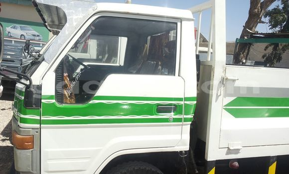 Buy Toyota Dyna White Car in Mogadishu in Somalia