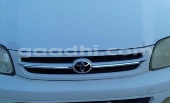 Buy Opel Astra White Car in Mogadishu in Somalia
